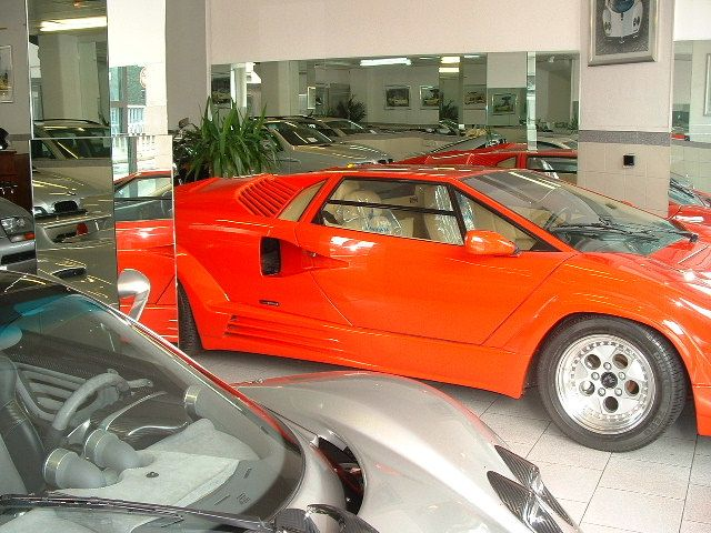 lamborghini countach 25 me anniversaire anniversario chez autodrome cannes voitures de. Black Bedroom Furniture Sets. Home Design Ideas