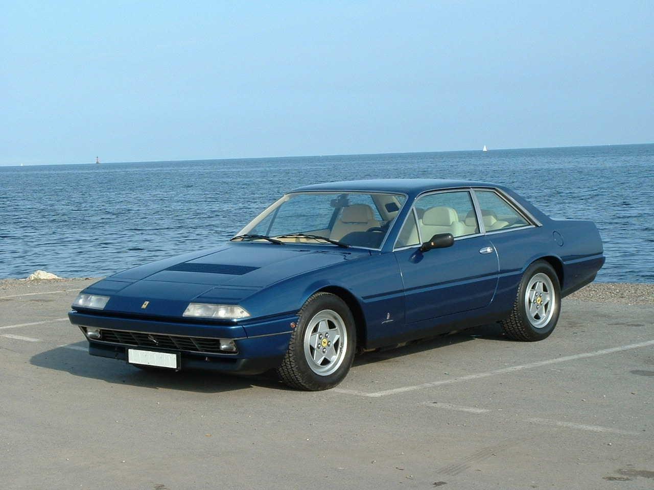 Fiche technique Ferrari 412 de 1985 à 1989
