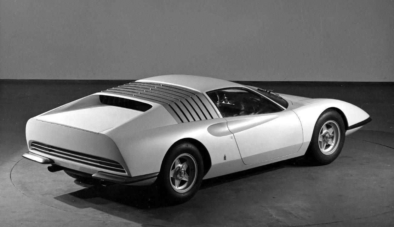 automobiles extraordinaires chez autodrome cannes importateur pagani. Black Bedroom Furniture Sets. Home Design Ideas